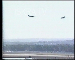 jet plane crashes, pilot escapes – mute