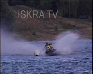 jet skiers crash during race