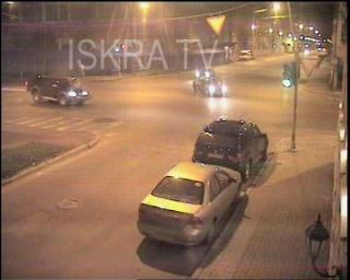 car crash at traffic light – no sound