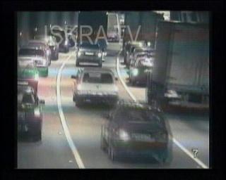 tunnel car crashes – cctv, no sound