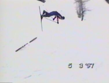 Skier falls over